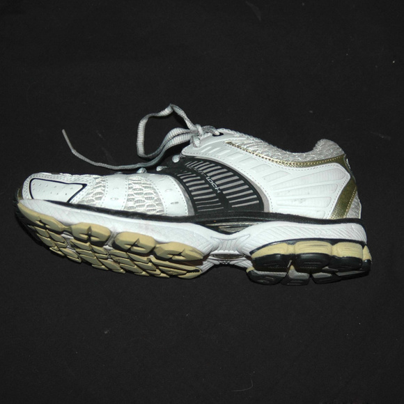 mizuno womens volleyball shoes size 8 queen java england